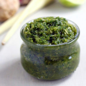 vegan green curry paste